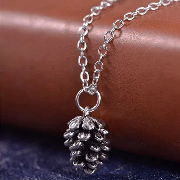 Jewelry - NWT • silver pine one necklace